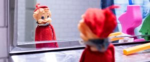 the jerry report elf mirror